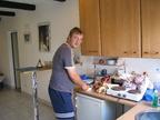 IMG_0298.jpg -- Oliver - DJ2QZ - bei der Arbeit, als verantworlicher für das Clubheim hatte er viel Arbeit.